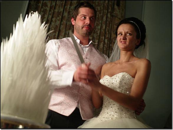 funny-wedding-photos-34