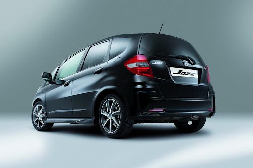 2012-Honda-Jazz-Si-02.jpg
