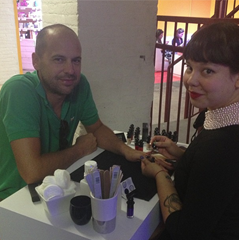 Claude Ruffian Manicure