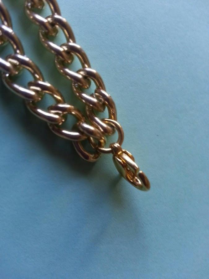 Pulseras hechas con cadenas