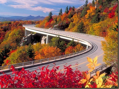 Linn_Cove_Viaduct_Grandfather_Mountain_North_Carolina_Wallpaper_bedip