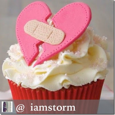 red-velvet-cupcake-broken-heart