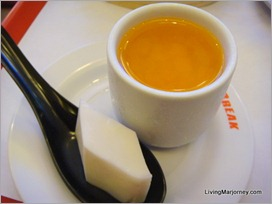Dimsum Break22: coconut cream and mango custard