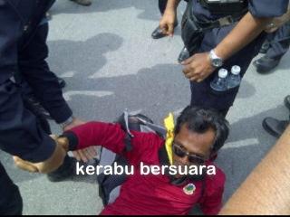 Live Bersih 3.0! Seorang anggota unit amal ditangkap.