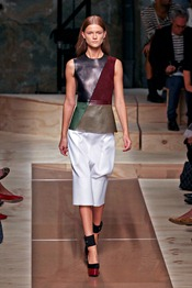 CELINE-SPRING-2012-RTW-PODIUM-014_runway