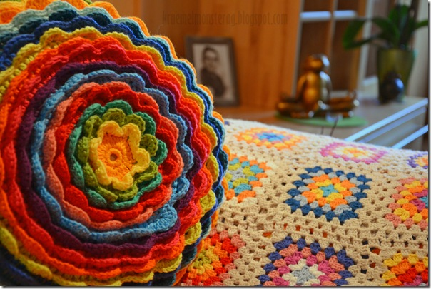 Blooming Flower Cushion (8)