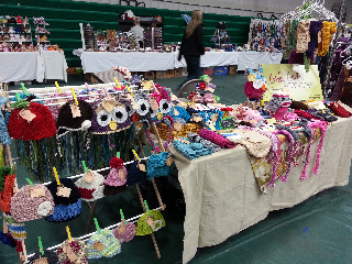 Girlygirl 39 s crochet my craft fair display for Hat display ideas for craft shows