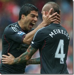 LONDON, ENGLAND - Saturday, August 20, 2011: Liverpool's Luis Alberto Suarez Diaz celebrates scoring the second goal against Arsenal with team-mate Raul Meireles during the Premiership match at the Emirates Stadium. (Pic by David Rawcliffe/Propaganda)