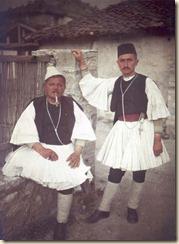 Burra me veshje tradicionale. ( foto, Luigi Pellerano)