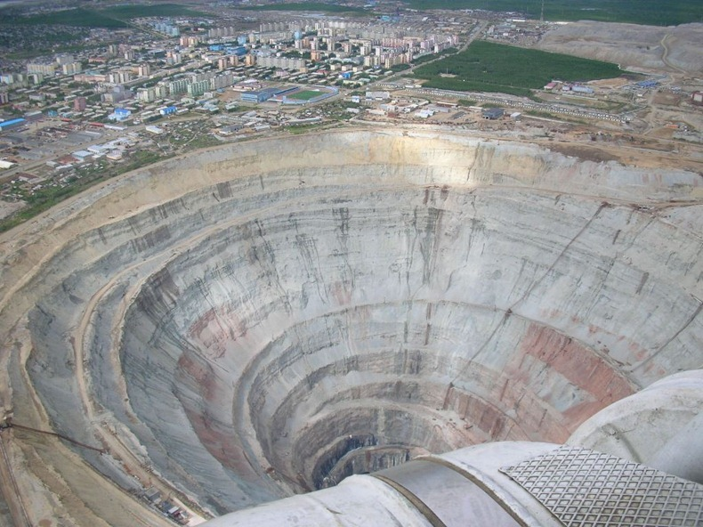 mir-diamond-mine-2