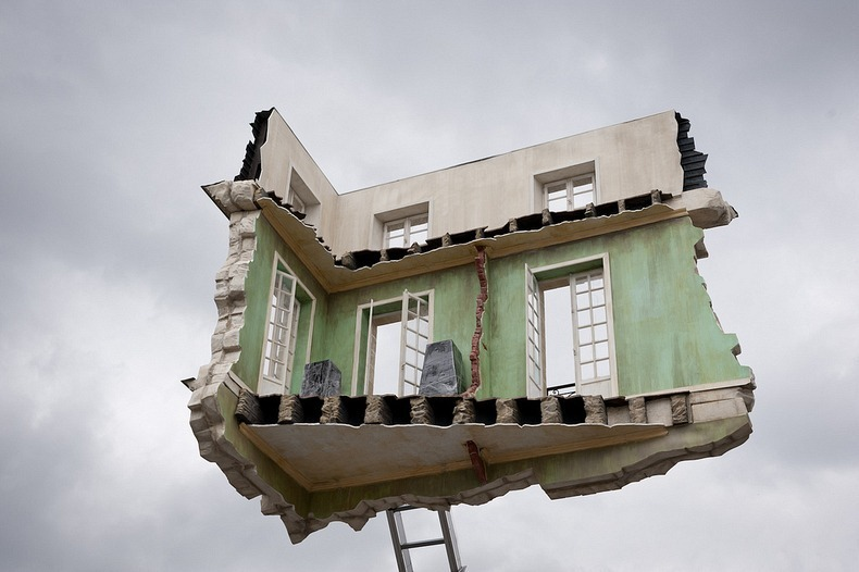 leandro-erlich-floating room-5