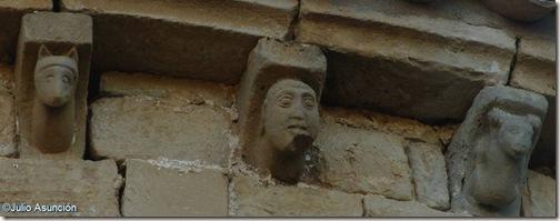Modillones iglesia románica de Zuazu