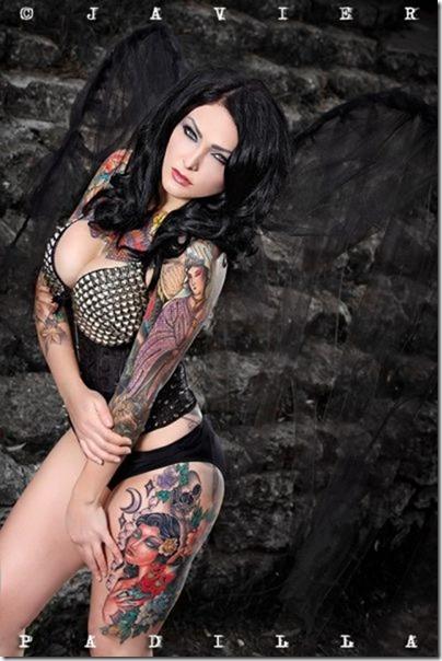 hot-women-tattoos-36