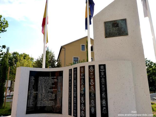 monumento-a-los-soldados-caidos-españoles-en-mostar.JPG