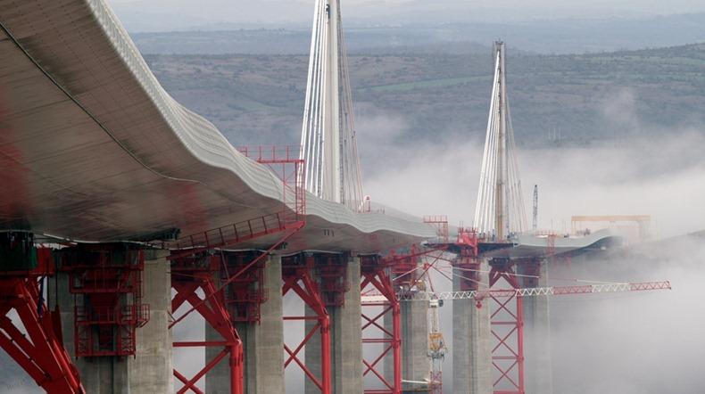 millau-viaduct-8
