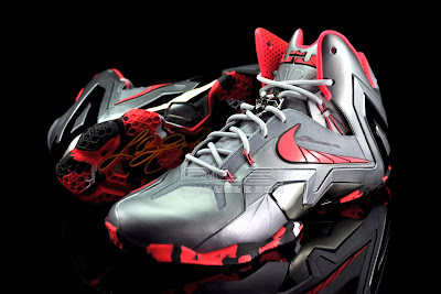 lebron11 elite team collection 21 web black The Showcase: Nike LeBron XI Elite Team Collection