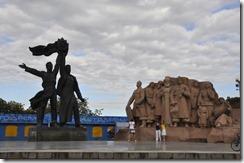 08-22 1 Kiev 079 800X  monument de l'amitié des nations