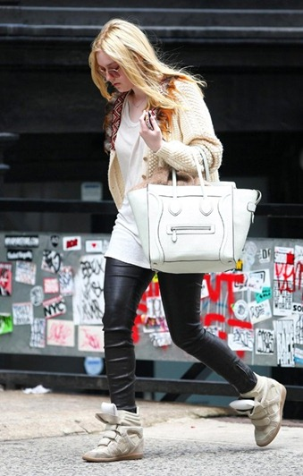 dakota_fanning_celine_bag_isabel_marant_white_canvas_taupe_suede_and_grey_leather_wedge_sneakers1