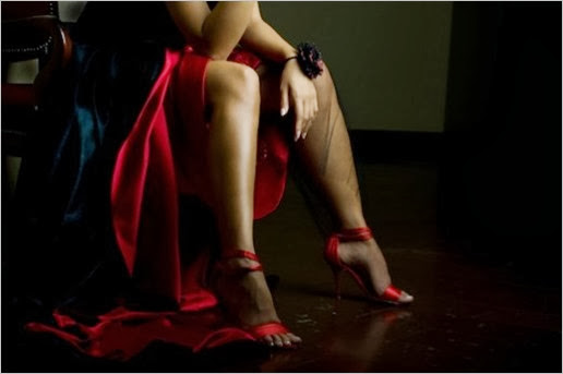 lady-in-red-featured-photo-520x345