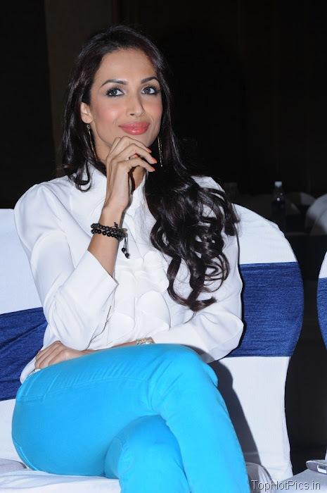 Malaika Arora Latest Pics in Blue Pants 6