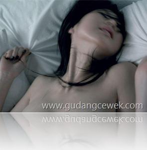 Ngeseks Dengan Orang Yang Sedang Tidur || gudangcewek.com