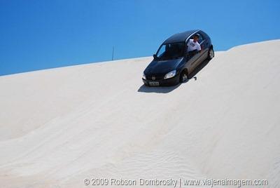 dirigindo nas dunas