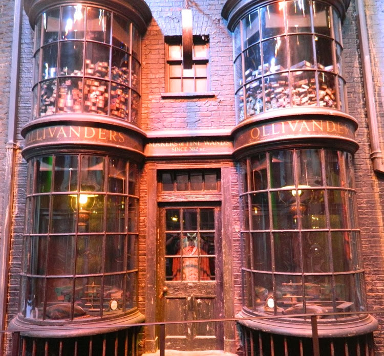 Ollivanders-Wand-Shop-Harry