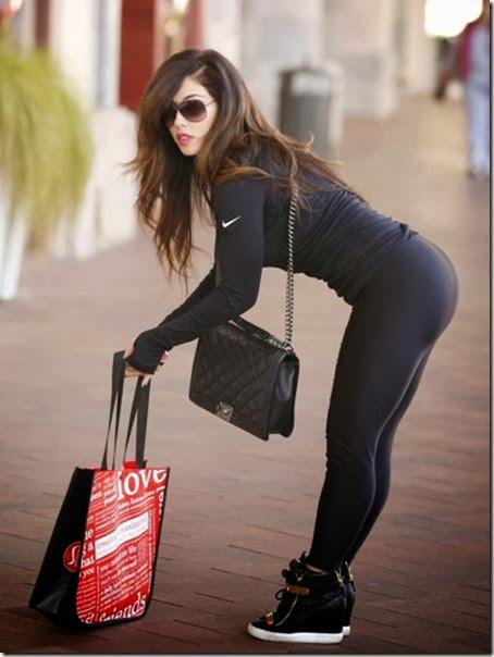 yoga-pants-please-017