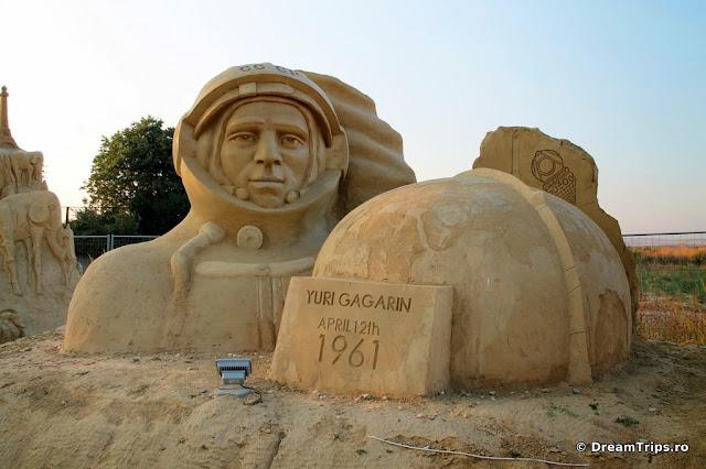 sculpturi nisip Burgas Yuri Gagarin.JPG