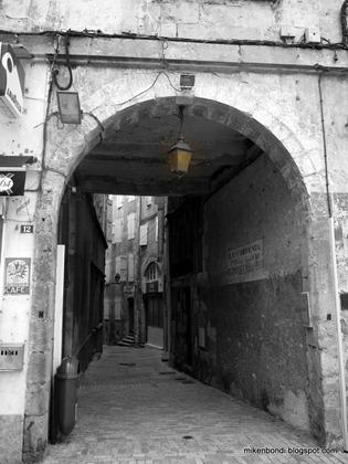 Auch passageway