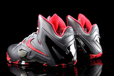 lebron11 elite team collection 14 web black The Showcase: Nike LeBron XI Elite Team Collection