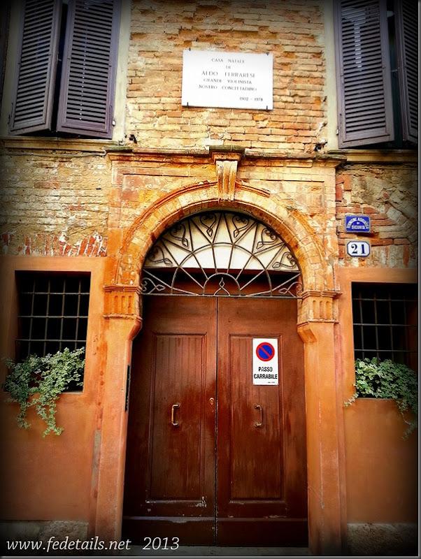 Portoni della città 1, Ferrara, Emilia Romagna, Italia - Doorways of the city 1, Ferrara, Emilia Romagna, Italy - Property and Copyrights of FEdetails.net