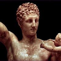 54.- Praxíteles. Hermes con el niño Dionisios
