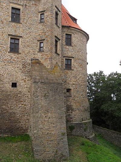 450px-Bouzov,_hrad_(13)