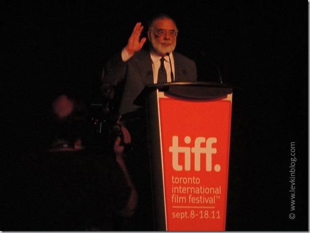 """Френсис Форд Коппола приветствует зрителей на мировой премьере фильма """"Между (Twixt)"""""""