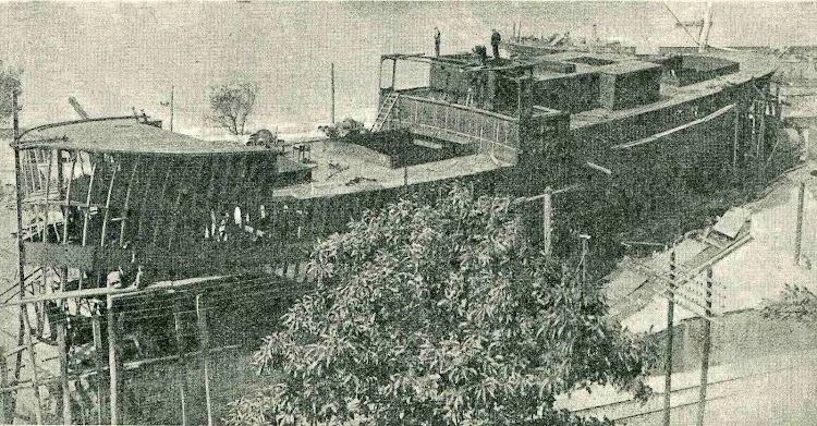 El CAROLUS en grada. De la revista CATALUNYA MARITIMA, Año 1920.jpg