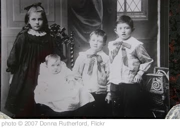 'HANCOCK Family - circa 1910' photo (c) 2007, Donna Rutherford - license: http://creativecommons.org/licenses/by-nd/2.0/