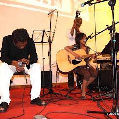 Fafah (Mahaleo) à Lyon::SAMPANA_MOZIKA_FAFA_AVRIL09_0520
