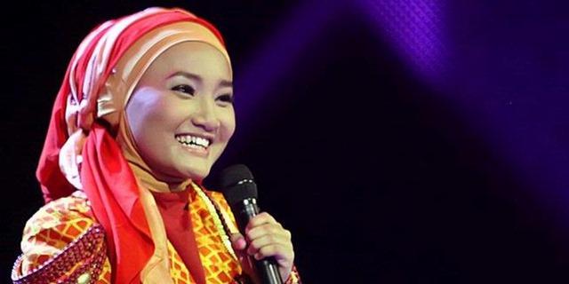 1039022-fatin-shidqia-lubis-di-gala-show-ke3-x-factor-indonesia-620X310