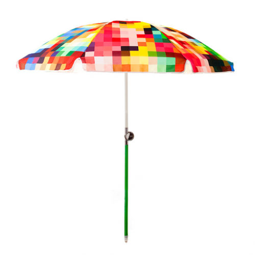 Friends will have no trouble spotting you on the beach with this unique umbrella. (safariliving.com)