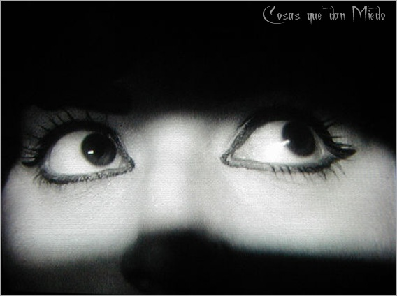 asustada-CqdM-0715