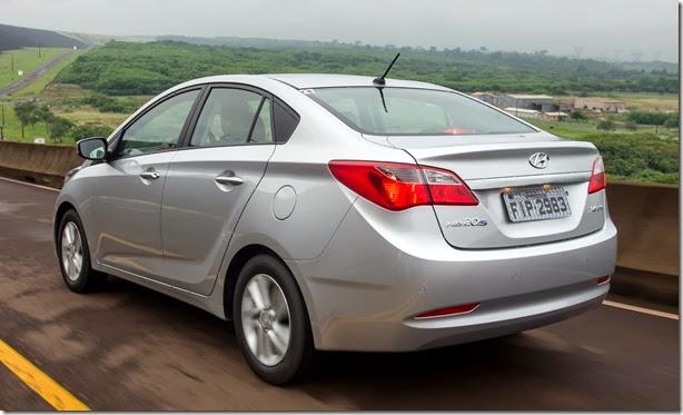 Hyundai HB20S 2013 (2)[3]