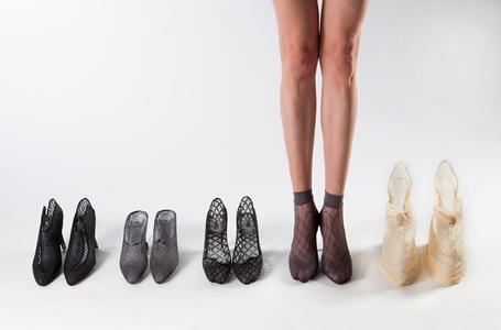 נעלי פלסטיק