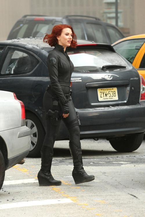scarlett johanson avengers (1)