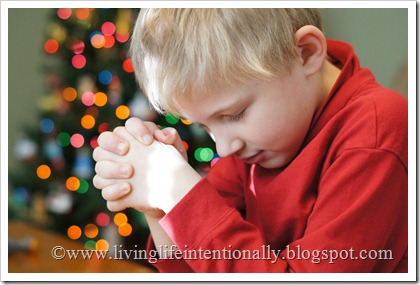 Pray with kids at Christmas