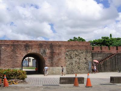 城郭の一部。東門。
