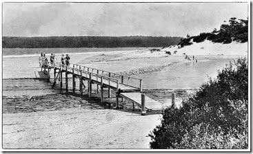 42-Footbridge-over-Moona-Moona-Creek