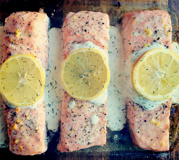 Lemon Salmon with Creamy Dill Sauce