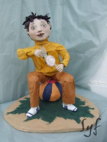 muñeco papel mache 9
