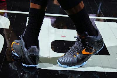 lebron james nba 140603 practice 03 King James Wears Nike LeBron 11 Elite Finals PE on Media Day